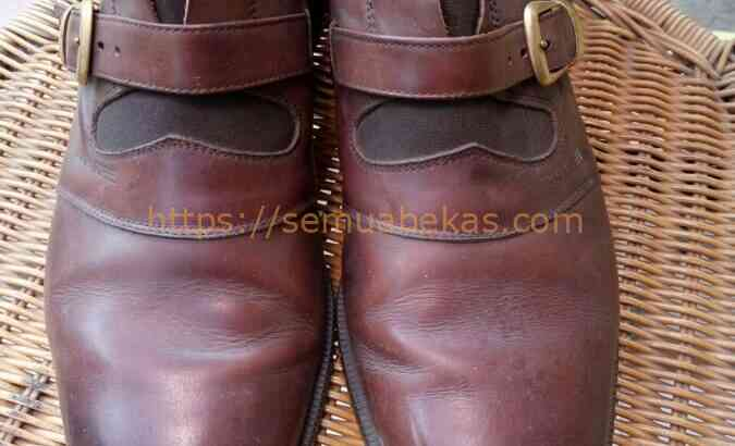 Sepatu pantofel Braun Buffel